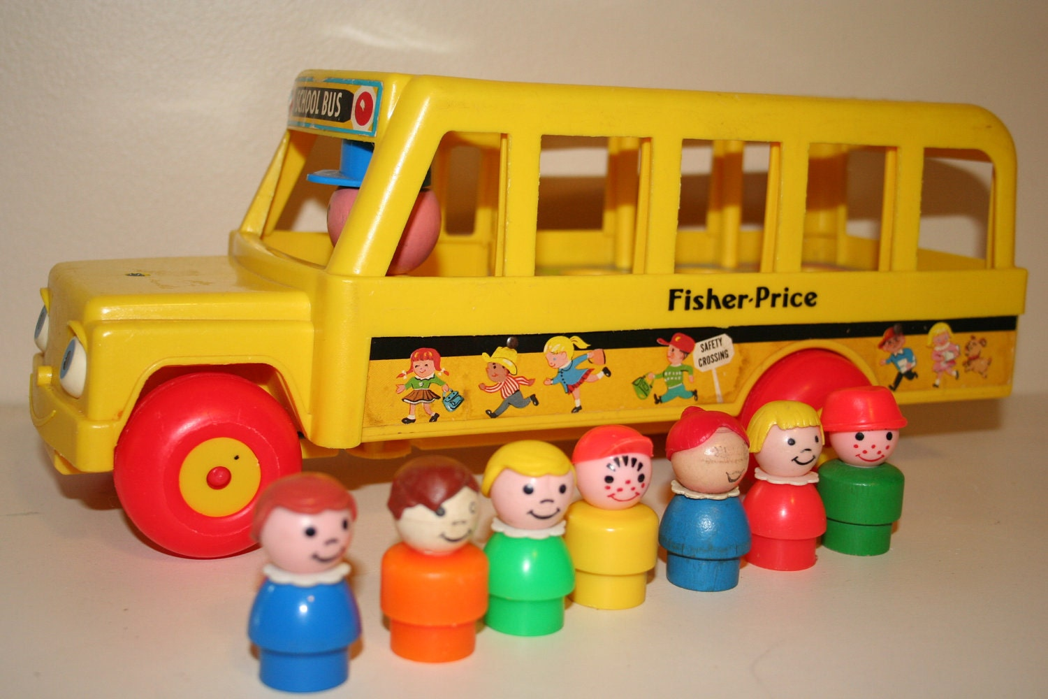 vintage fisher price school bus and little people. Black Bedroom Furniture Sets. Home Design Ideas