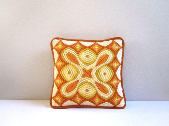 Mid-Century Sunburst Tea Pillow