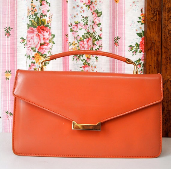 Peche Melba, French Vintage, 1950s Coral Peach Leather Hand-Held Mad Men Style Envelope Handbag from Paris