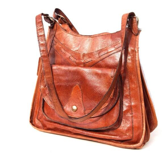 Caramel Kisses, French Vintage, Tan Leather 1960s Shoulder Handbag from Paris