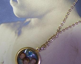 L425 Cherub necklace