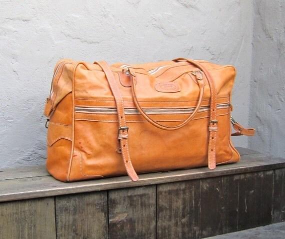 Vintage Handcrafted Large Camel Lightweight Leather Duffle Travel Bag w/Shoulder Strap