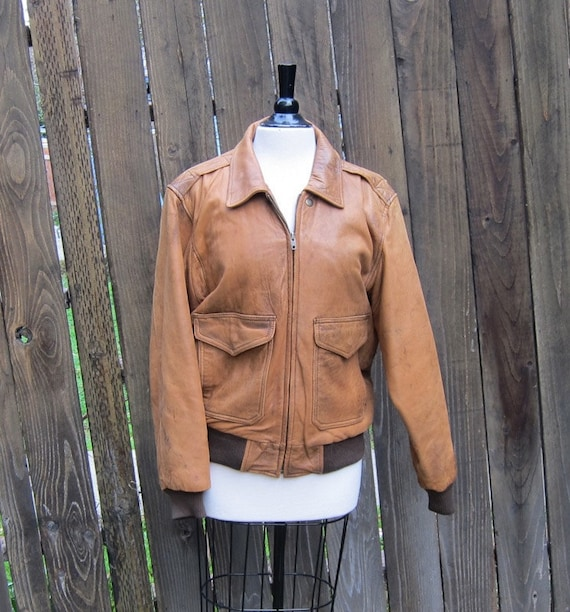 Vintage Worn In Rugged Leather Bomber Aviator Jacket Size 38 (mens s/m, ladies m/l)