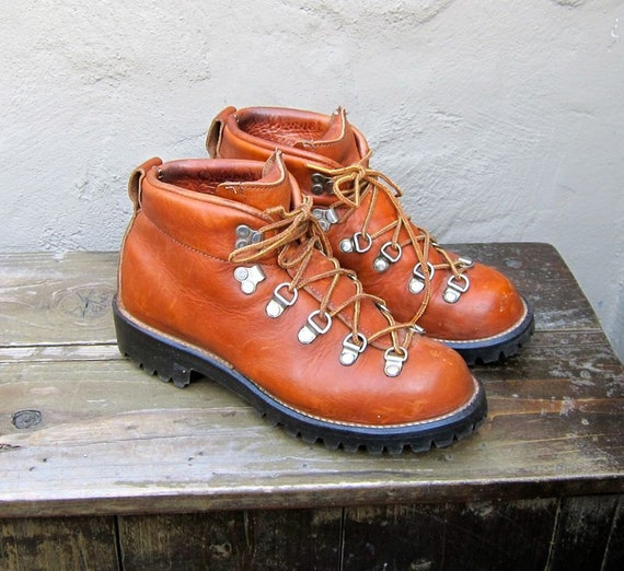Vintage Danner Tan Leather Lace Up Rugged Mountain Climbing