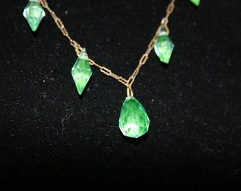 Stunning Singapore Chain Necklace with Green Beads