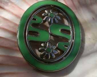 1970 Unique Egg Shaped Green and Silver Pendant