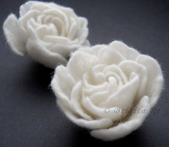 Set Of Two Small Felt Flower Brooches Natural White Handmade to Order