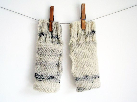 Beige Fingerless mittens - Knitted gloves Beiroa  - wrist warms no2