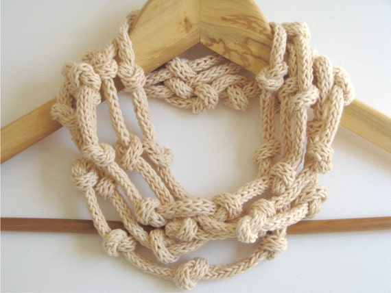 Cotton necklace - organic - weightless - traveling - Spring Summer collection europeanstreetteam