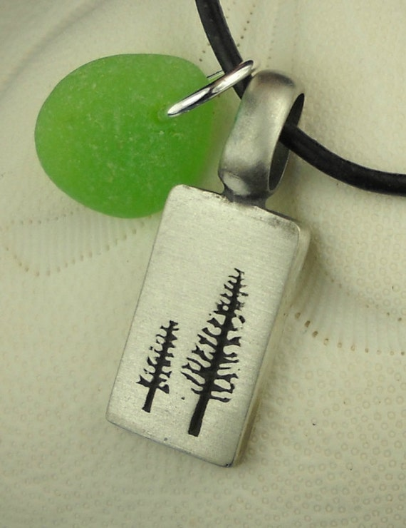 Tree Necklace And Sea Glass Jewelry Green, Redwood Tree Jewelry, Redwood Necklace, Tree Jewelry, Seaglass Pendant, Beach Glass Necklace