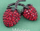 Vintage Weiss Red Strawberry Rhinestone Brooch Pin