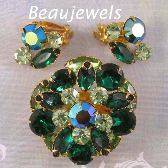 BEAUJEWELS Green Rhinestone Demi Parure, Vintage Brooch and Earrings
