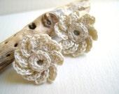 Ivory Zinnia Flower Earrings- Cream Flower Earrings - Vintage Style Earrings - Beige crocheted earrings - Ecru Wedding Earrings