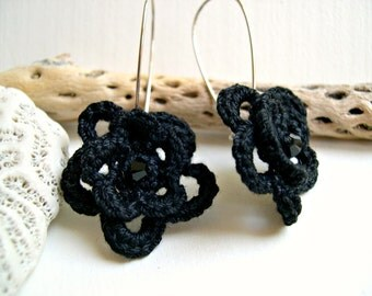 Elegant Black Flower Earrings - Black lace earrings - Dangle Earrings  - Handmade Crochet  - Victorian Style - Bridesmaid lace earrings