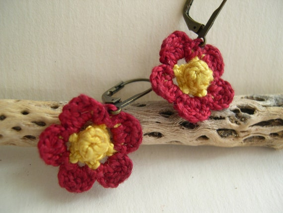 Primrose Earrings - Cute Red and Yellow earrings - Spring Flower earrings - Lacy trends - Crocheted flower - Valentines day gift idea