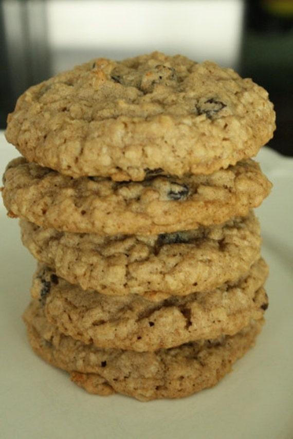 Grandmas Irresistible Oatmeal Chocolate Chip Cookies