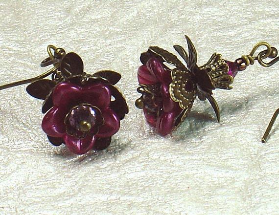Fuchsia Lucite & Brass Filigree Vintage Style Flower Earrings