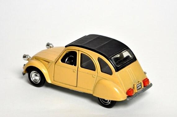 Vintage Polistil Citroen 2 cv Car Model Toy Die Cast