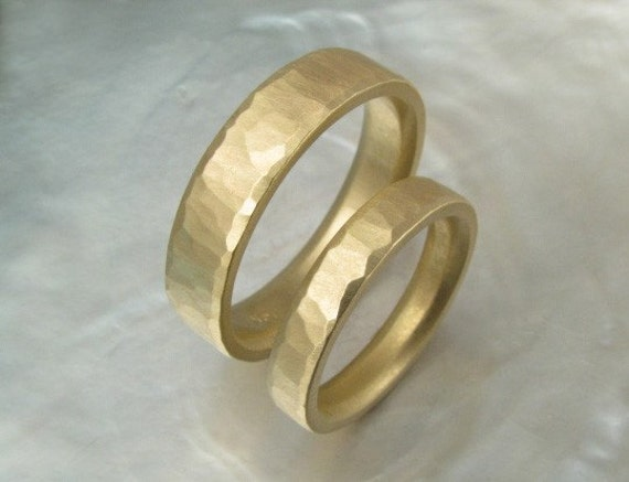 hammered wedding band set matching wedding rings by