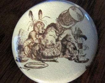 Doormouse Alice in Wonderland 1.25 inch BUTTON/PIN/BADGE Vintage Tenniel Image