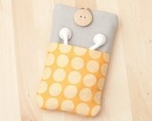 Iphone 4 case / iphone 4s cover / iphone case / blackberry case - yellow dots with linen and  pockets -