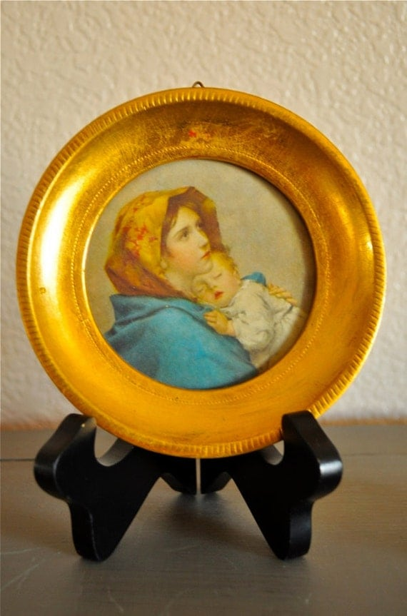 Small Madonna and Child Picture in Round Gilt Frame