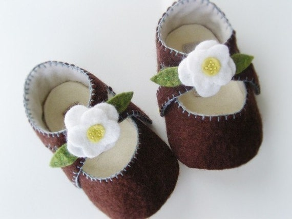 25% Off Holiday Sale - no 035 Lilly Baby Mary Janes PDF Pattern