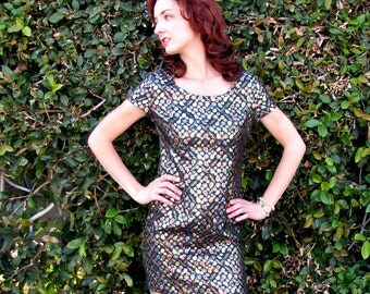 Multicolored Metallic on Black Quilted Paisley Cocktail Dress - Vintage 1960s  - Size 2 / 4