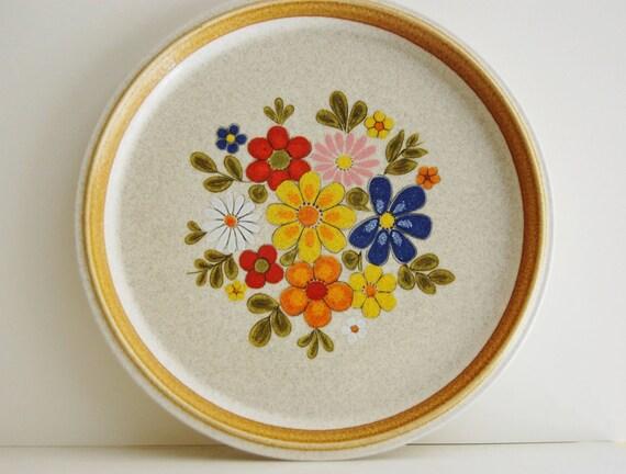 Vintage Mikasa Floribunda Retro Flowers Dinner Plate