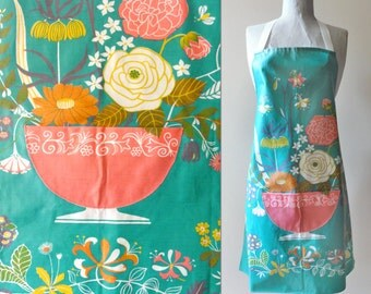 Vintage Mid Century Apron Silvia Chalmers Oilcloth Flower Garden
