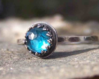 Bleu London Star - Brilliant Faceted 6mm Blue Topaz in Sterling Silver Crown Bezel