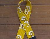CAMERA STRAP in SOLID Cotton Blossoms