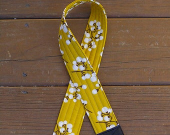 CAMERA STRAP in SOLID Cotton Blossoms