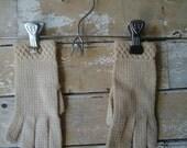 Vintage Gloves Child's Cream Sweet Pair