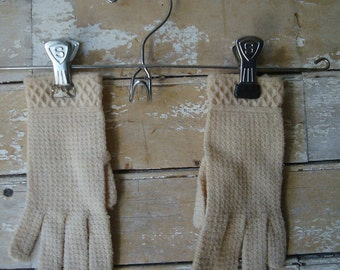 Vintage Gloves Child's Cream Sweet Pair