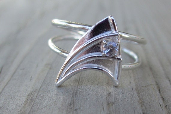 this shop is taking a short break - Star Trek Wedding Ring