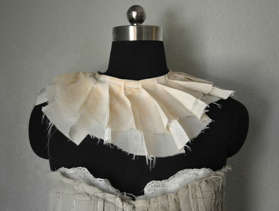 Pleated Victorian Collar in Cream or Black