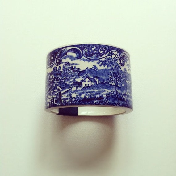 StayGoldMaryRose - (Large) Stunning blue country scene willow pattern tea cup bangle/bracelet with navy satin ribbon band.