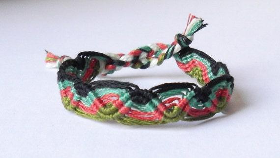 Friendship Bracelet - Peruvian Wave - Green, Brown, Black