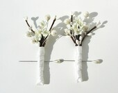 LILIES ELEGANT BOUTONNIERE - Set of 2 ivory Lilies Vintage style for Weddings buttonhole