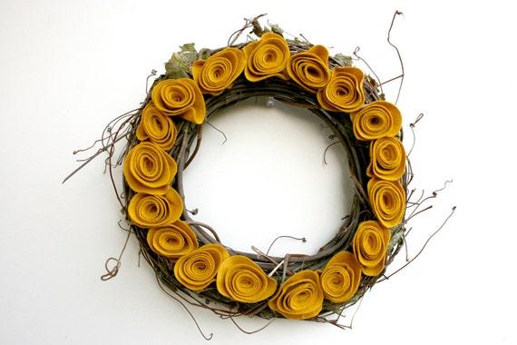 Mellow Yellow Wreath