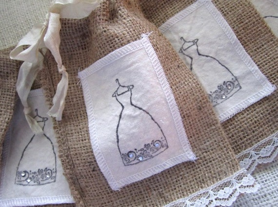 Shabby Chic Wedding Favor Burlap Bags Set of 6 - Bridesmaid Gifts - Vintage Wedding