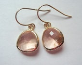 Peach earrings. Peach gold earrings. Champagne earring. Peach champagne earrings. Wedding jewelry. Bridesmaids earrings. Bridal earrings.