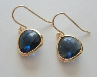 Sapphire blue glass and gold dangle earrings. Bridal earrings.  Bridal jewelry.  Bridesmaids earrings.  Wedding jewelry. Bridesmaid earrings