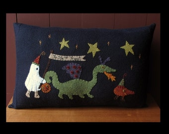 Trick or Treaters Pillow E-PATTERN by cheswickcompany