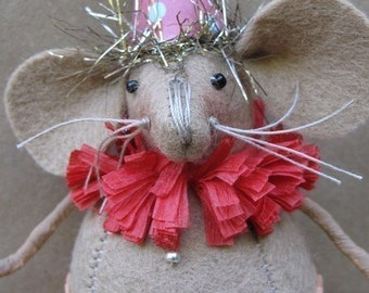 Zoey The Circus Mouse Ornament KIT by cheswickcompany