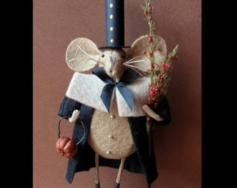 Peregrine the Pilgrim Mouse E-PATTERN by cheswickcompany