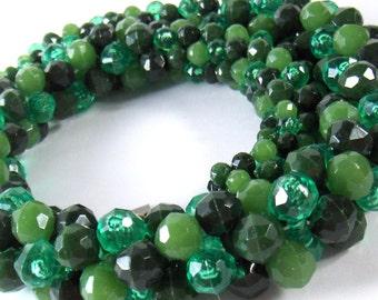 Vintage Beaded Rope Necklace Green Faceted Plastic Beads Western Germany  - epsteam vestiesteam thebestvintage
