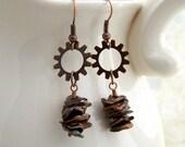 Copper Pearl earrings -  Keshi Pearls - in a Steampunk Style with copper gears - Industrial Earrings
