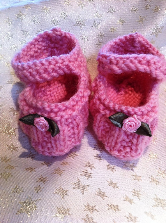 "Pattern for ""Amy"" Hand knitted ribbed Mary-Janes. Quick & EASY...Beginner plus level"